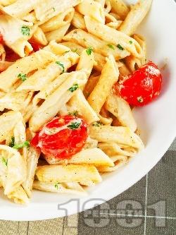 Паста с чери домати, чесън, зехтин и сирена моцарела и пармезан - снимка на рецептата